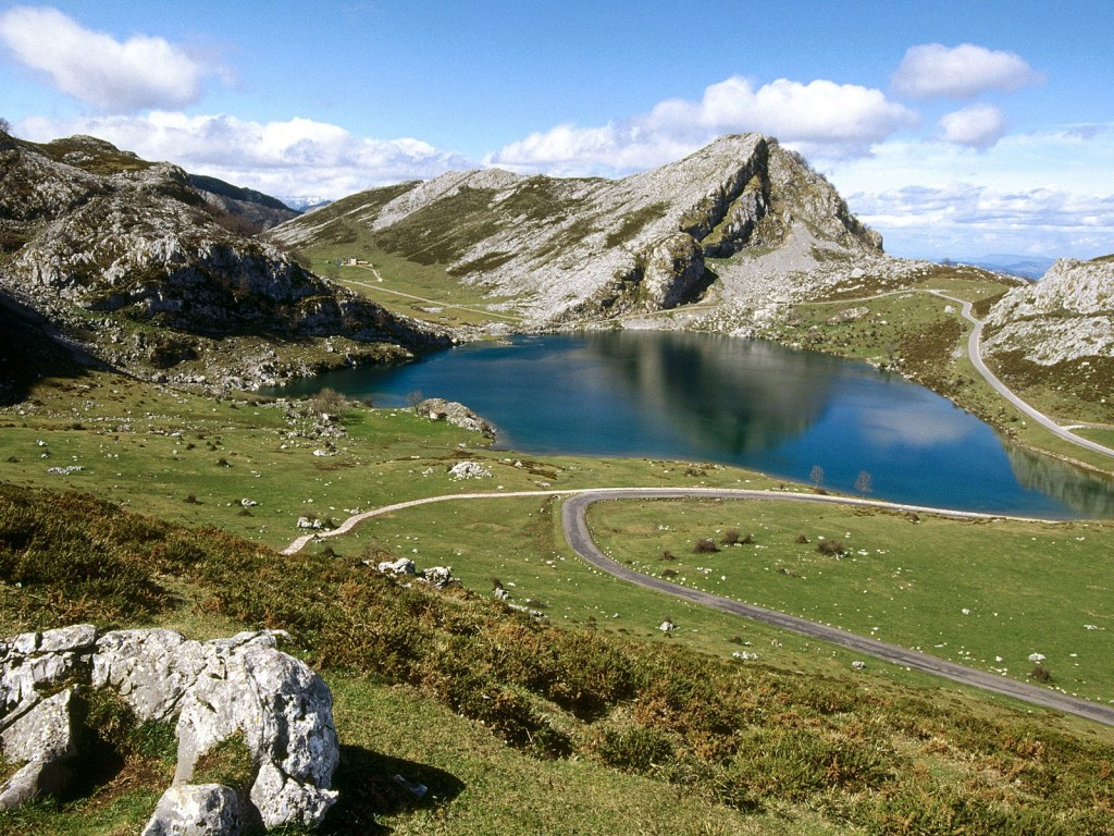 Papel de parede Europa: Lago Espanhol para download gratuito. Use no computador pc, mac, macbook, celular, smartphone, iPhone, onde quiser!