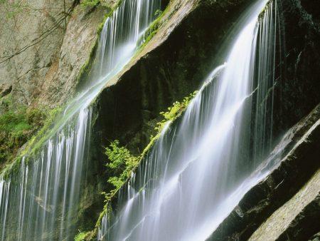 Papel de parede Lâmina de Água para download gratuito. Use no computador pc, mac, macbook, celular, smartphone, iPhone, onde quiser!