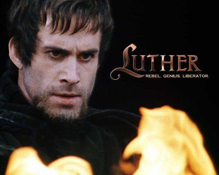 Papel de parede Lutero para download gratuito. Use no computador pc, mac, macbook, celular, smartphone, iPhone, onde quiser!