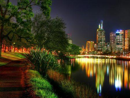 Papel de parede Luzes da Cidade para download gratuito. Use no computador pc, mac, macbook, celular, smartphone, iPhone, onde quiser!