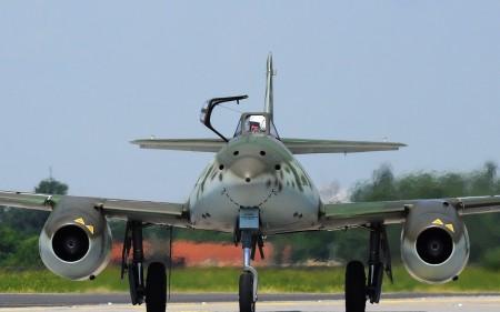 Papel de parede Me-262A para download gratuito. Use no computador pc, mac, macbook, celular, smartphone, iPhone, onde quiser!