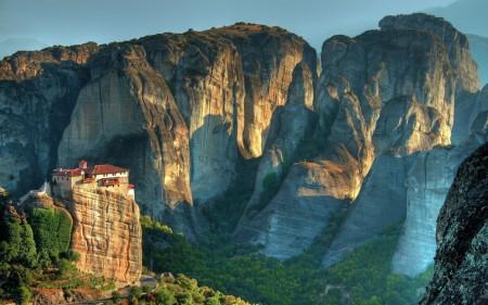 Papel de parede Meteora, Grécia para download gratuito. Use no computador pc, mac, macbook, celular, smartphone, iPhone, onde quiser!