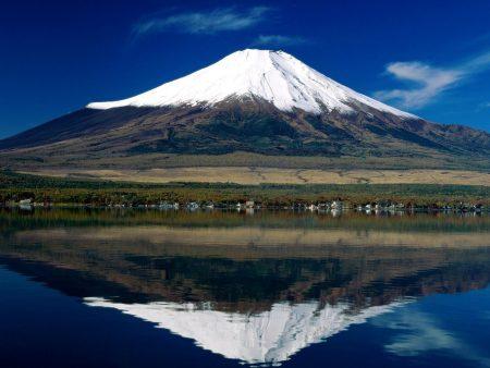 Papel de parede Monte Fuji para download gratuito. Use no computador pc, mac, macbook, celular, smartphone, iPhone, onde quiser!
