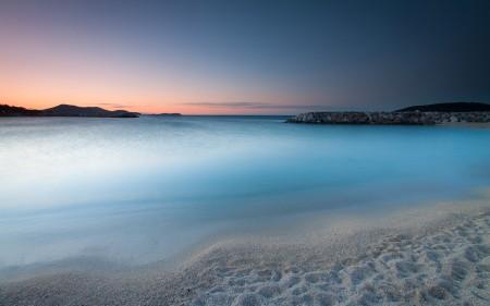 Papel de parede Amanhecer na Praia para download gratuito. Use no computador pc, mac, macbook, celular, smartphone, iPhone, onde quiser!