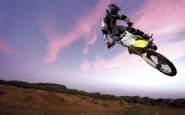 Papel de parede Motocross: A Moto e o Céu