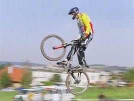 Papel de parede Mountain bike voador