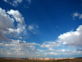 Papel de parede Nas Nuvens – Montes e Nuvens