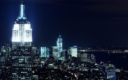 Papel de parede Vista Noturna de Nova York para download gratuito. Use no computador pc, mac, macbook, celular, smartphone, iPhone, onde quiser!