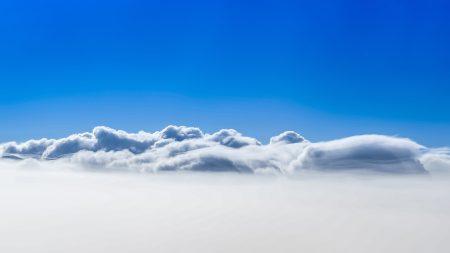 Papel de parede 4K de céu azul de nuvens para download gratuito. Use no computador pc, mac, macbook, celular, smartphone, iPhone, onde quiser!