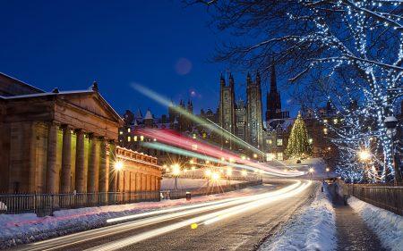 Papel de parede Luzes de pista de tráfego de Snowy para download gratuito. Use no computador pc, mac, macbook, celular, smartphone, iPhone, onde quiser!