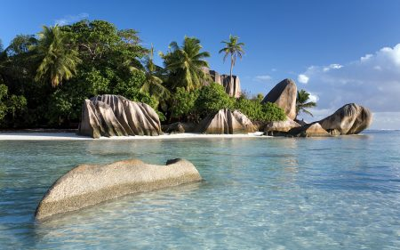 Papel de parede Margens do mar de Seychelles para download gratuito. Use no computador pc, mac, macbook, celular, smartphone, iPhone, onde quiser!