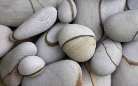 Papel de parede Pedras no caminho para download gratuito. Use no computador pc, mac, macbook, celular, smartphone, iPhone, onde quiser!