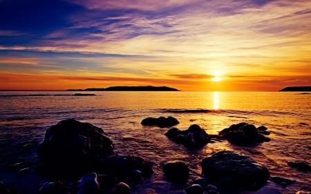 Papel de parede Nascer do Sol na Praia para download gratuito. Use no computador pc, mac, macbook, celular, smartphone, iPhone, onde quiser!