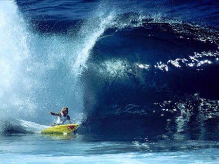 Papel de parede Surf #1 para download gratuito. Use no computador pc, mac, macbook, celular, smartphone, iPhone, onde quiser!