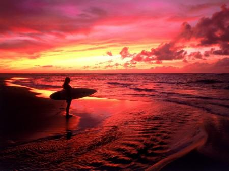 Papel de parede Surfe ao Crepúsculo, Havaí para download gratuito. Use no computador pc, mac, macbook, celular, smartphone, iPhone, onde quiser!