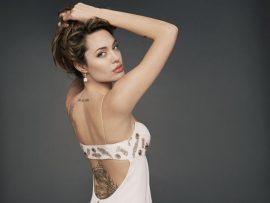 Papel de parede Tattoo – Angelina Jolie